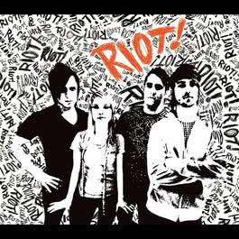 อัลบั้ม RIOT!